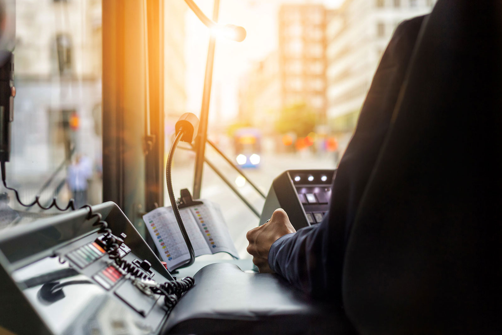 Personen-Notsignal-Anlagen •Personennotsignalsystem •oscom-Deutschland •Zugfahrer •Alleinarbeiterschutz •Alleinarbeit • Alleinarbeitsplatz • Mitarbeitersicherung